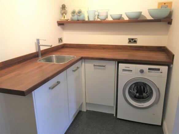Annexe Kitchen 2.jpg