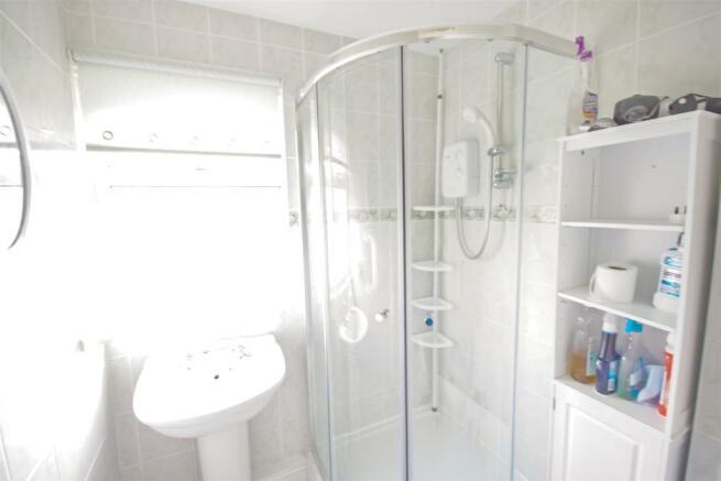 11 fox shower room.jpg