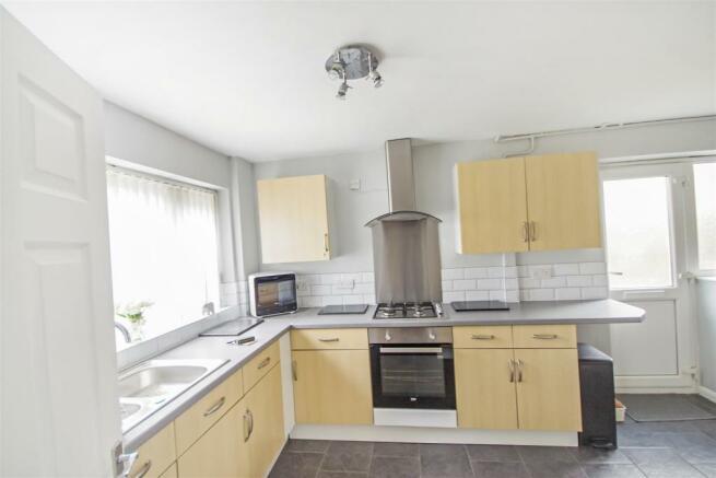 59 flaxley Kitchen.jpg
