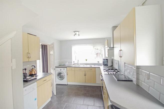 59 Flaxley Kitchen 2.jpg