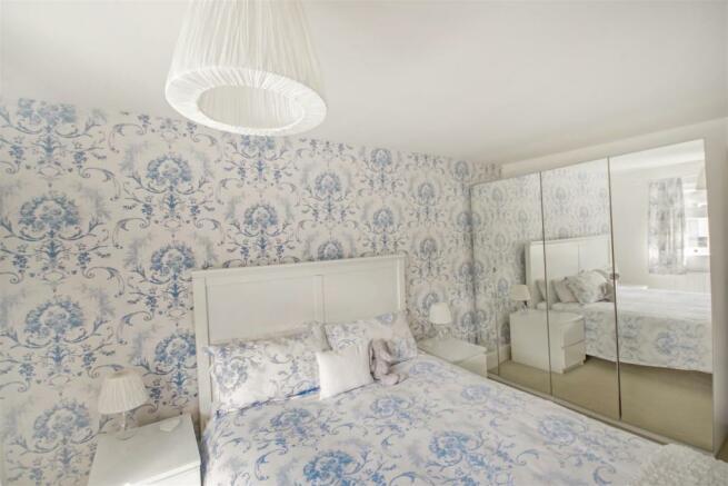 59 Flaxley Bed 1 2.jpg
