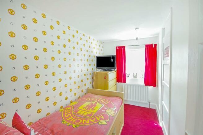 59 Flaxley Bed 2.jpg