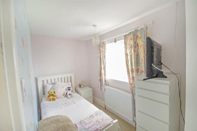 59 Flaxley Bed 3.jpg