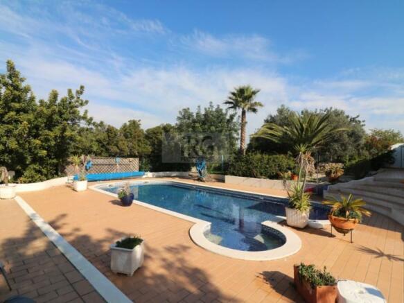 Villa with pool for sale in Sao Bras de Alportel