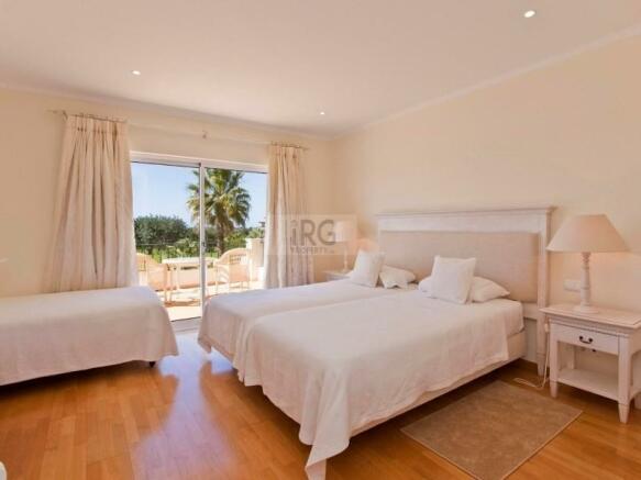 Laguna bedroom