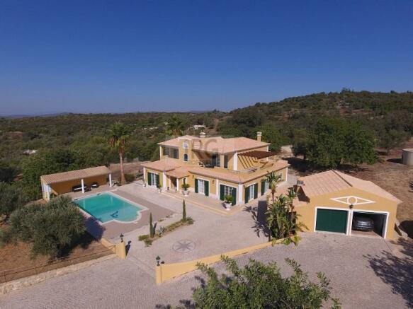 Sea views large pool and plot - V4 villa in Loule