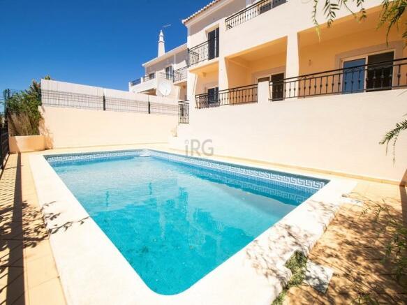 Loule villa with sea views