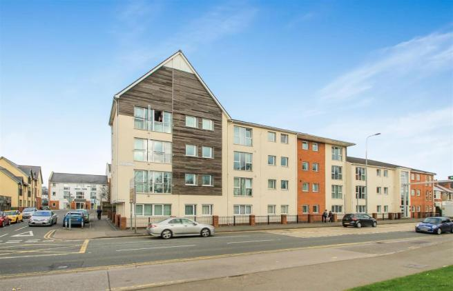 2 bedroom apartment for sale in lock keepers court - Living room letting agency cardiff ...