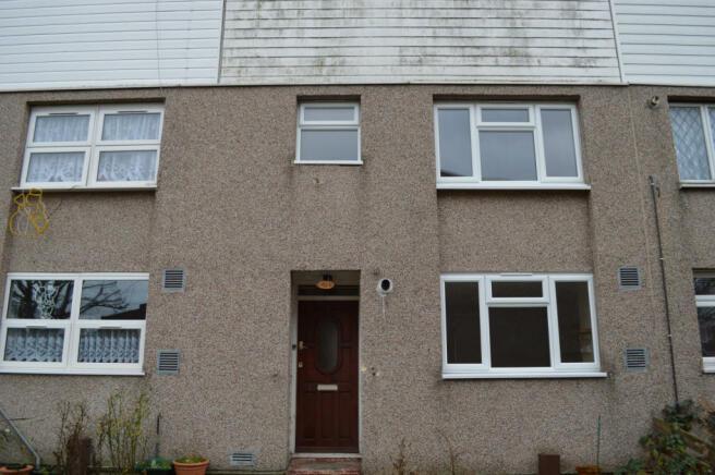3 bedroom terraced house for sale Penistone Walk,