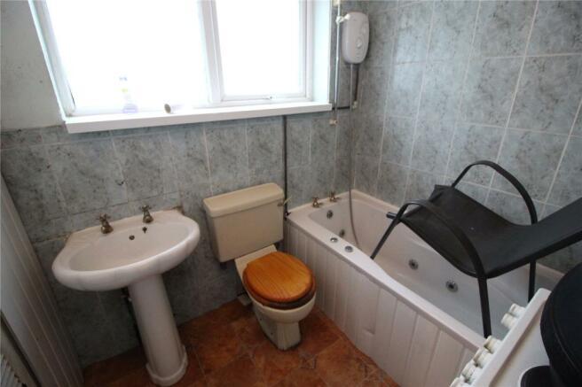 Flat 7A Bathroom