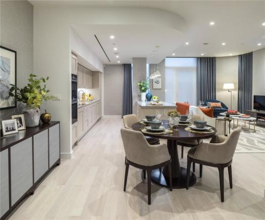 Show Flat Dining