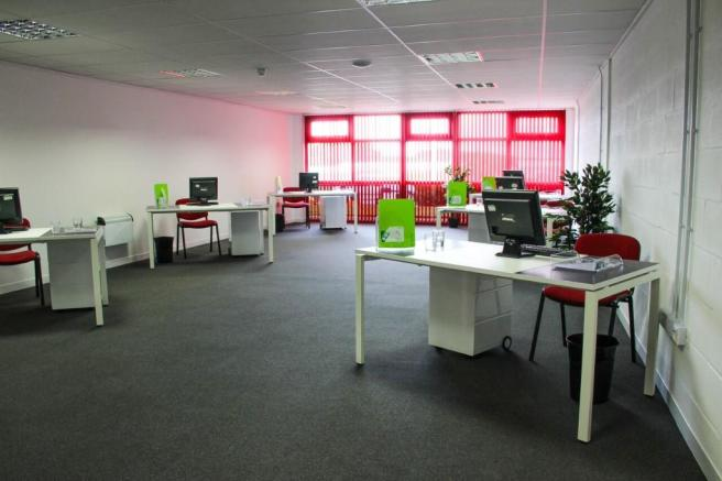 700 sq ft Office