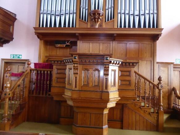 Pulpit & Pipe Organ