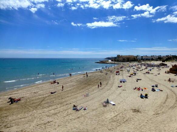 LA ZENIA WEST BEACH