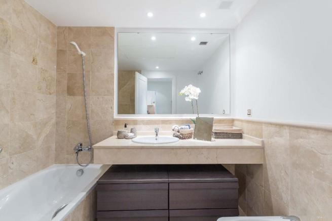 2 TILED BATHROOMS
