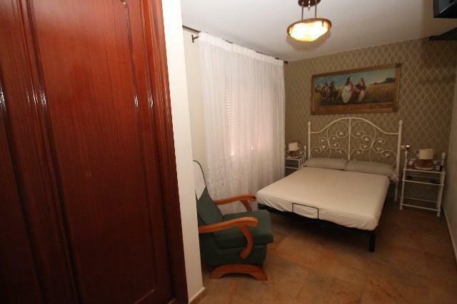 4 DOUBLE BEDROOMS