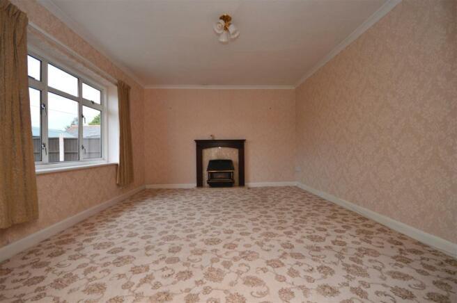 Living Room Cradley.JPG
