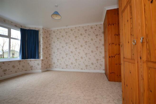 Bedroom 1 Cradley.JPG