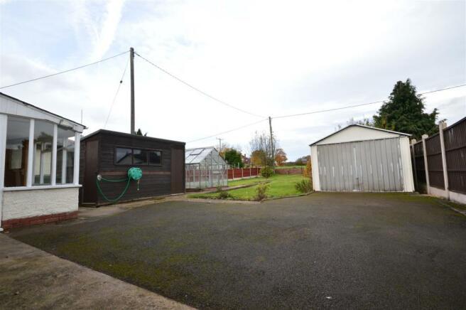 Garage Area Cradley.JPG