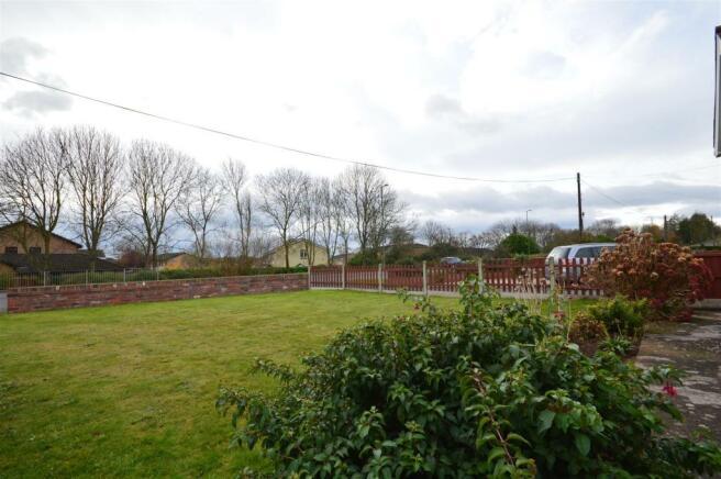 Front Garden Cradley.JPG