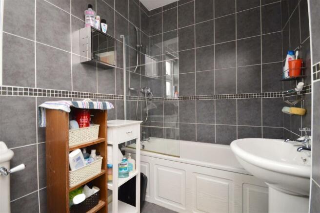 Bathroom Flat 2 Whitecross.JPG
