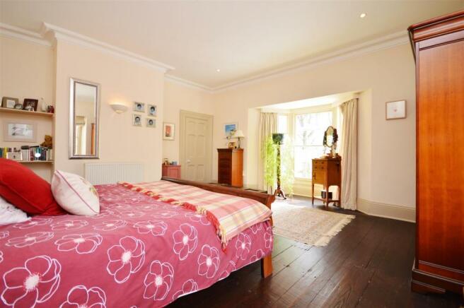 Bedroom 1.1.JPG