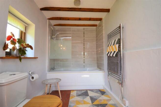 Bathroom Panksbridge.JPG