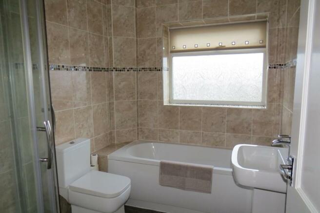 UPGRADED COMBINED BATHROOM