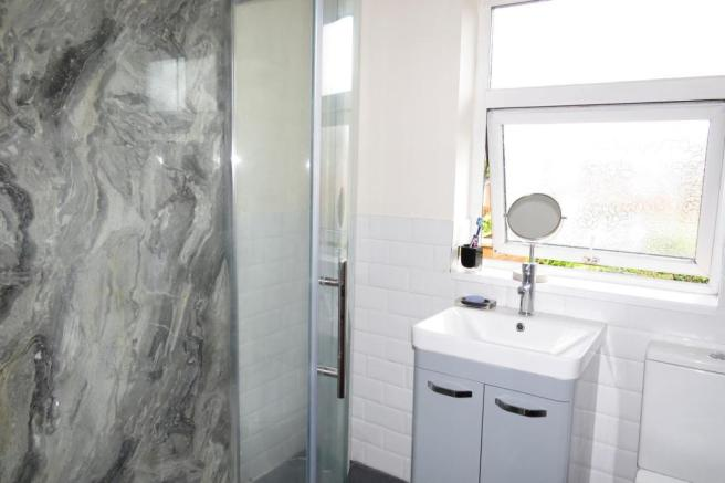 UPGRADED SHOWER ROOM/W.C.
