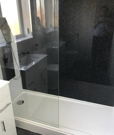 UPGRADED SHOWER-ROOM / WC