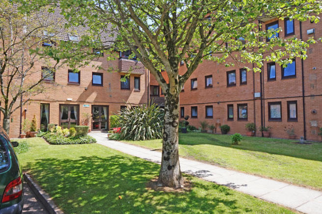 2 bedroom retirement property for sale in stephenson court - Living room letting agency cardiff ...