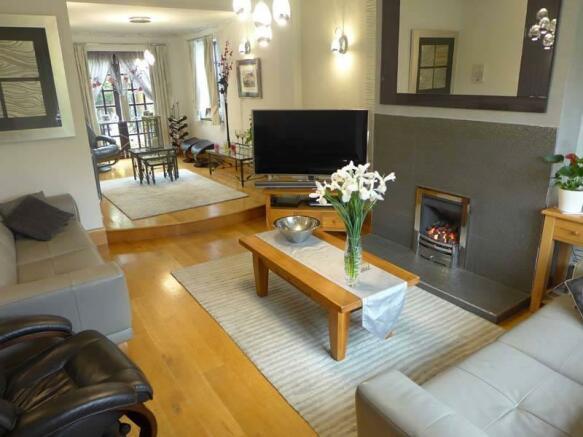 Lounge & Sitting Area
