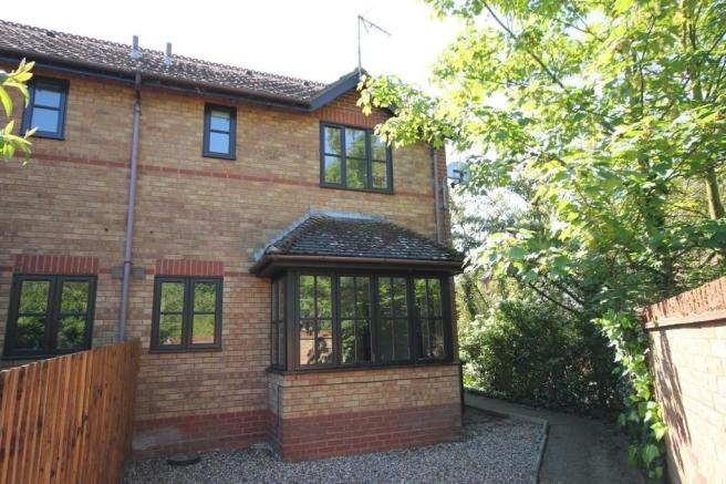 1 bedroom terraced house for s...