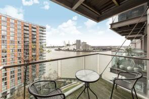 Photo of Fairmont Avenue, Canary Wharf