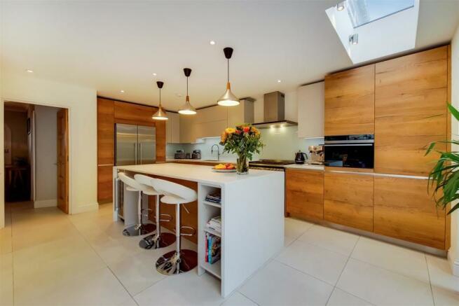 4_Kitchen-Reception-3.jpg