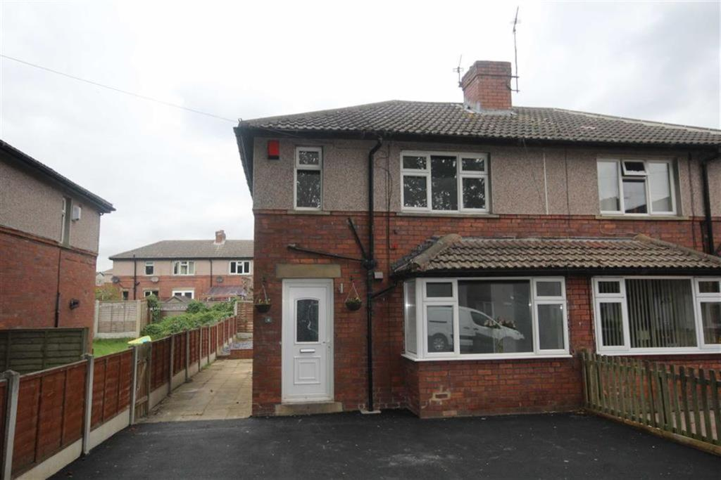 3 bedroom semi-detached house  Shirley Square, Gomersal