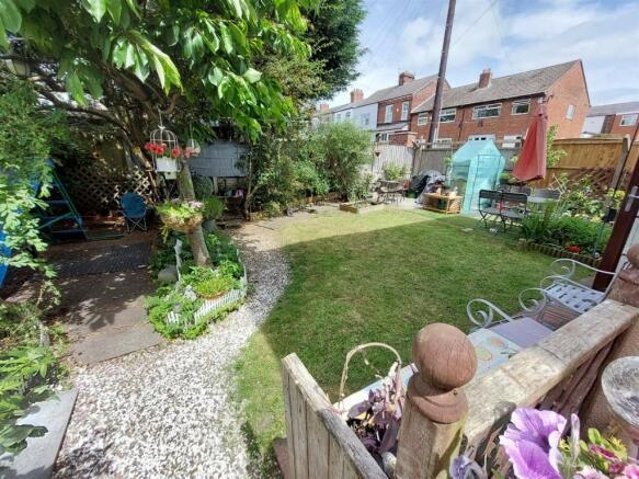 Windle St Rear Garden