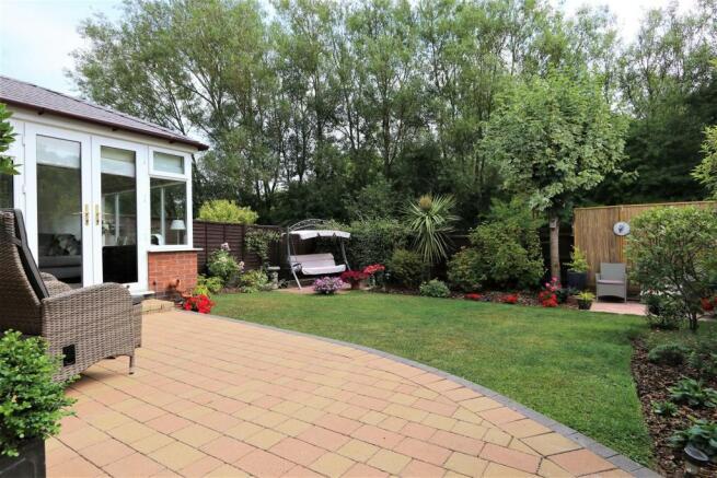 15rear garden IMG_0165.JPG
