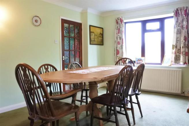 FAMILY/DINING RM
