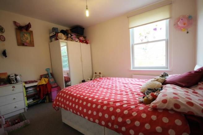 Bedroom 2 (Main)
