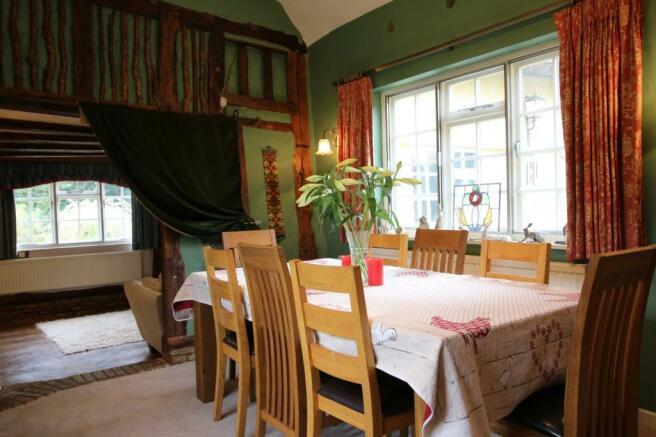 Dining Room Photo 2