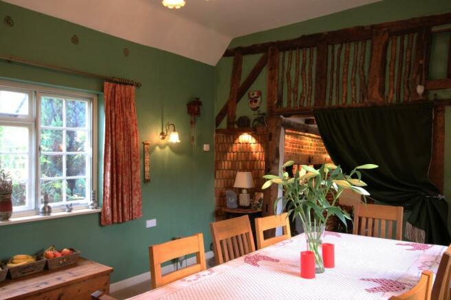 Dining Room Photo 3