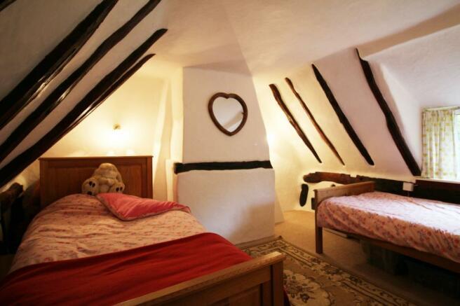Bedroom 3 Photo 1