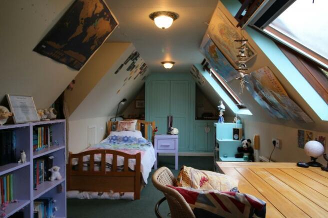 Bedroom 5 Annexe Off