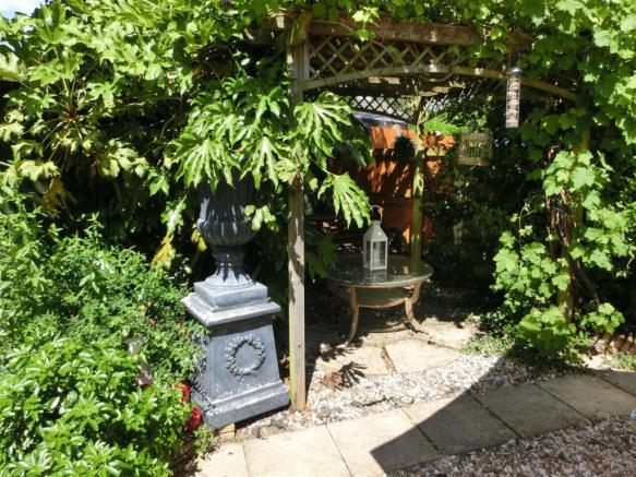 Shawhurst Lane 29 Garden2.jpg