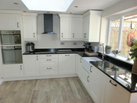 Shawhurst Lane 29 Kitchen.jpg