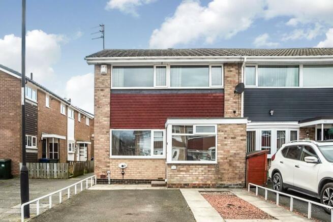 3 bedroom terraced house for sale in Lowbiggin, Newbiggin Hall
