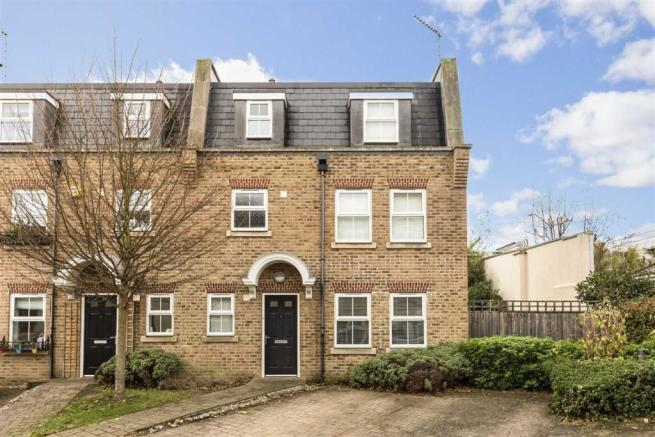 3 Bedroom House To Rent In Acton Lane Chiswick W4