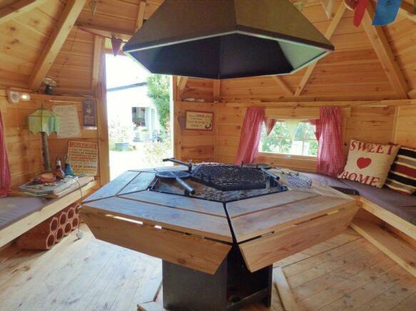 Summerhouse/BBQ