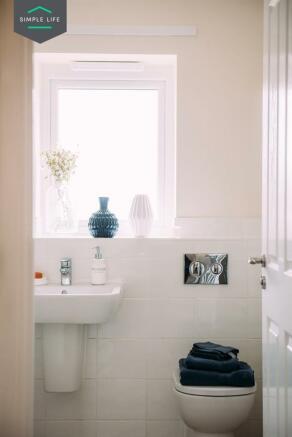 Avon_bathroom_3.jpg